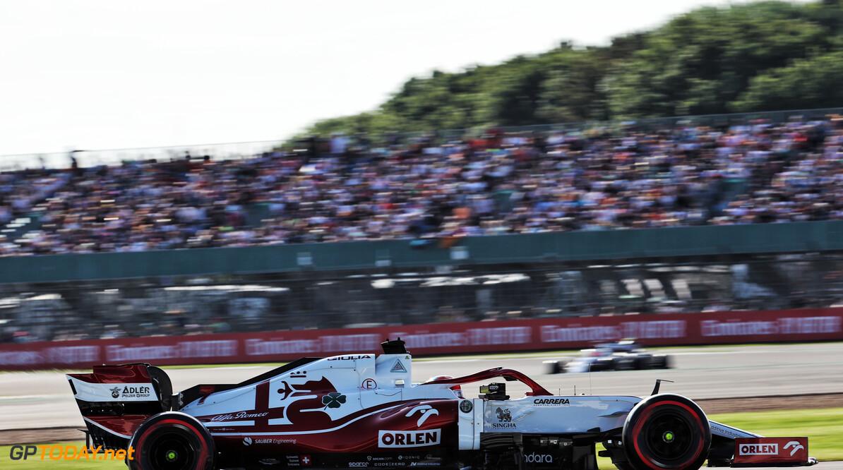 """Kimi Raikkonen nonchalant over vervanger """"Niet mijn probleem"""""""