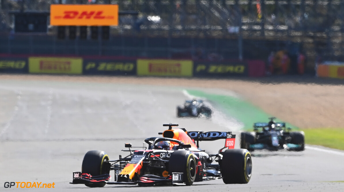 NORTHAMPTON, ENGLAND - JULY 17: Max Verstappen of the Netherlands driving the (33) Red Bull Racing RB16B Honda during the Sprint for the F1 Grand Prix of Great Britain at Silverstone on July 17, 2021 in Northampton, England. (Photo by Michael Regan/Getty Images) // Getty Images / Red Bull Content Pool  // SI202107170236 // Usage for editorial use only //  F1 Grand Prix of Great Britain - Sprint     SI202107170236