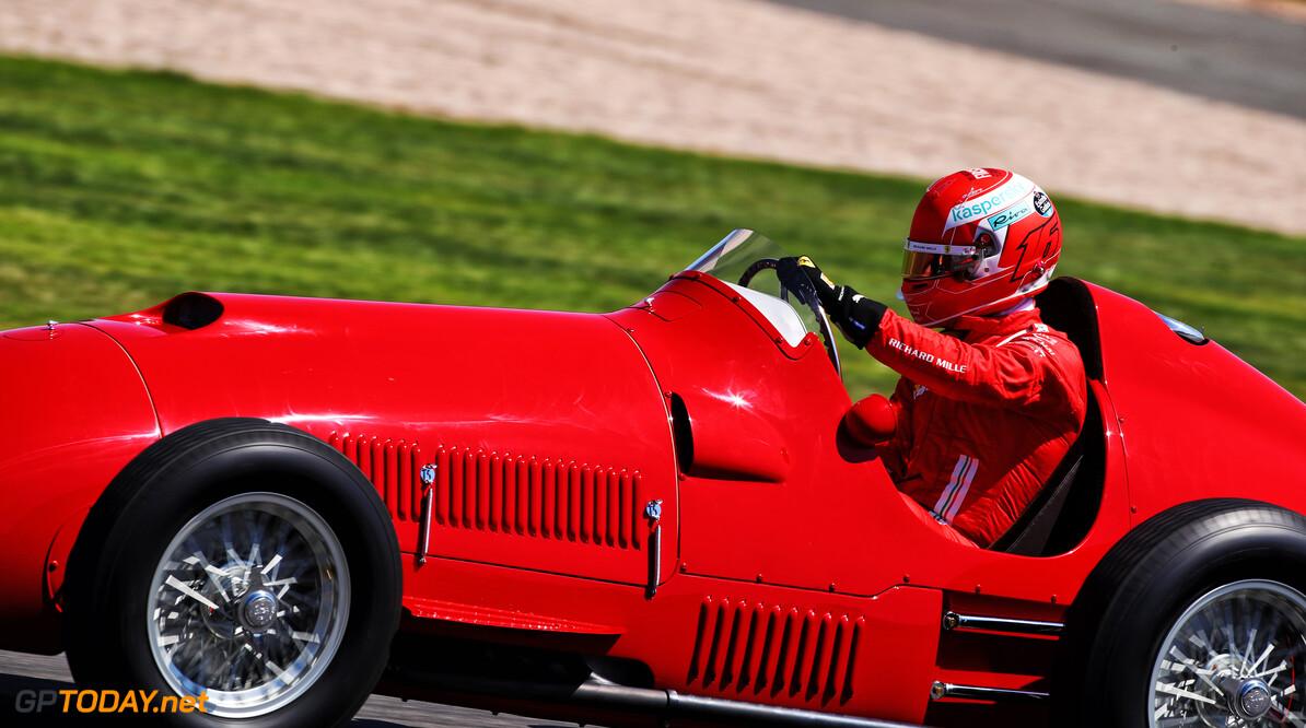 """<b>Video: </b>Charles Leclerc: """"Rijden in een Ferrari uit 1951 is geweldig"""""""
