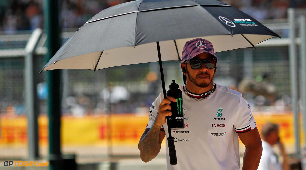 """Lewis Hamilton jubelt het uit: """"Titelgevecht weer volledig open"""""""