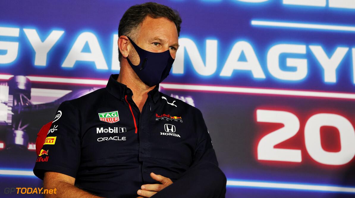 """Red Bull-baas Christian Horner beseft: """"Wij moeten aanvallende race rijden"""""""