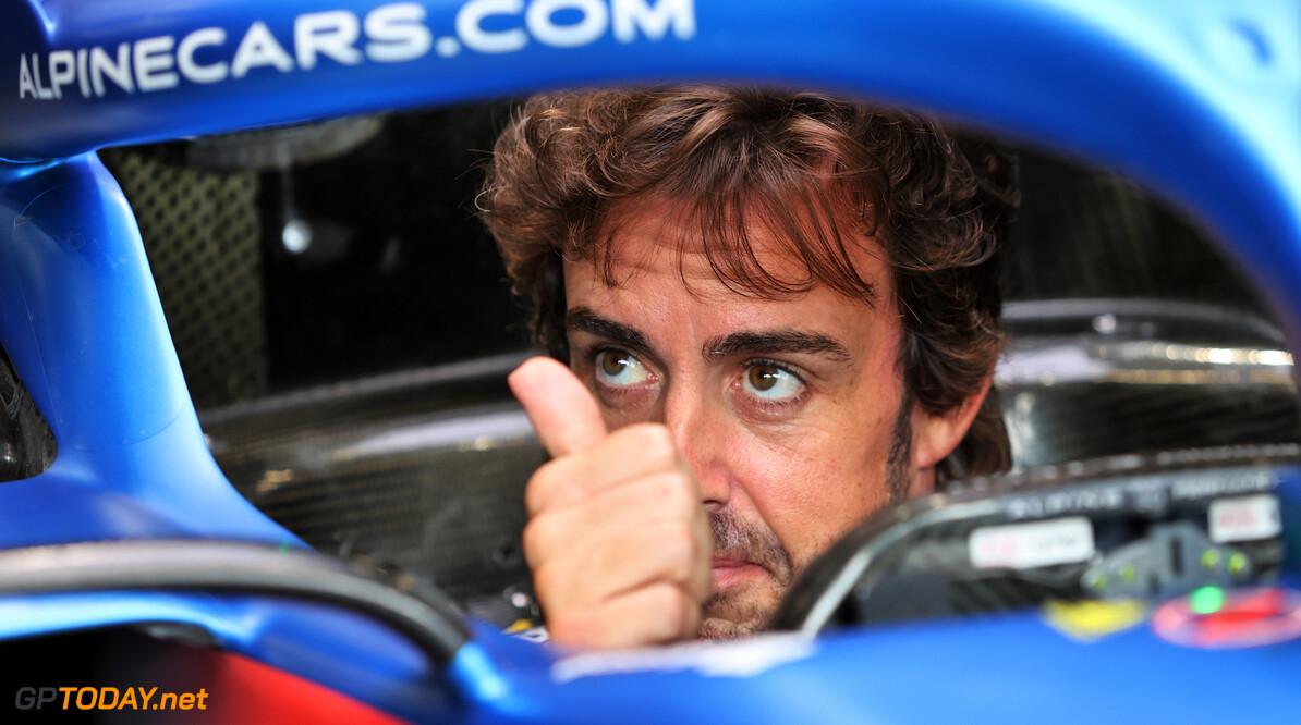 """Alonso duidelijk: """"Niet snelste van middenveld, wel beste team"""""""