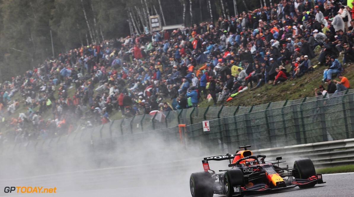"""Max Verstappen scoort spetterende pole position in België: """"Ik ben super blij"""""""