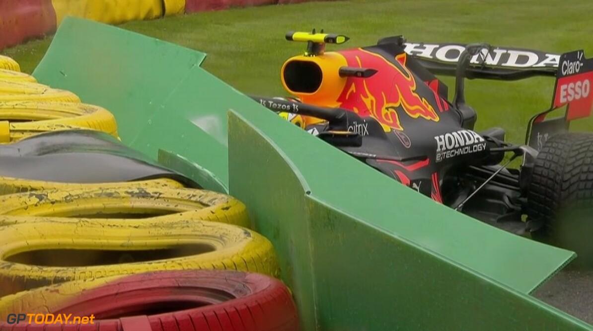 Checo Perez crasht en kan Grand Prix van België niet starten