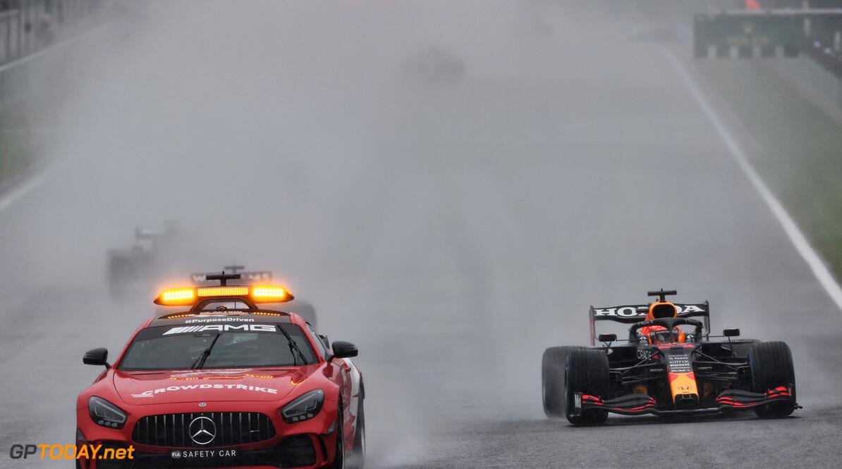 Max Verstappen reduceert gat naar Hamilton in WK-stand na debacle op Spa -Francorchamps