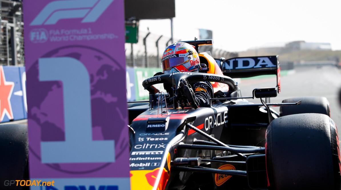 <b>Video: </b>Max Verstappen sjeest door Palermo voorafgaand aan Italiaanse F1 Grand Prix