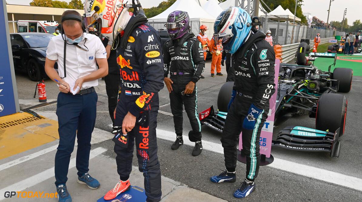 """Max Verstappen reageert op Lewis Hamilton: """"De race al gewonnen? Dat is wat té positief gesteld"""""""
