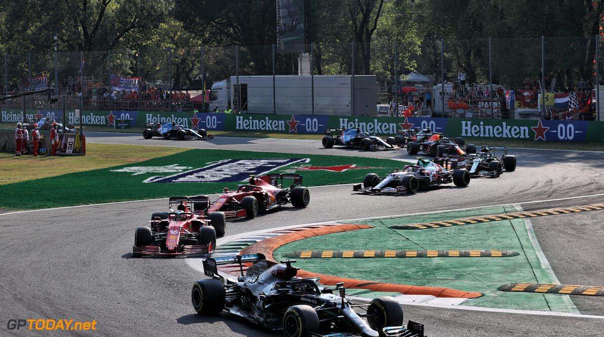 """Daniel Ricciardo door het dolle na winst op Monza: """"Dit zag niemand aankomen"""""""