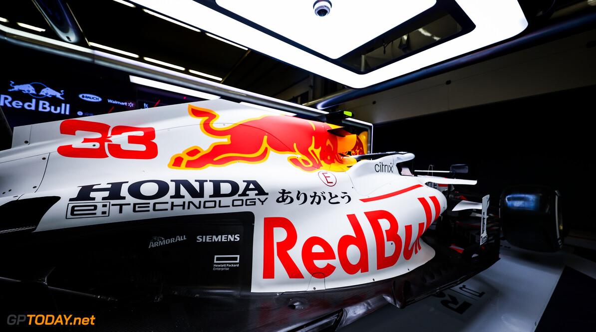 Dit is dé speciale livery waar Max Verstappen en Sergio Perez tijdens GP Turkije mee gaan rijden!