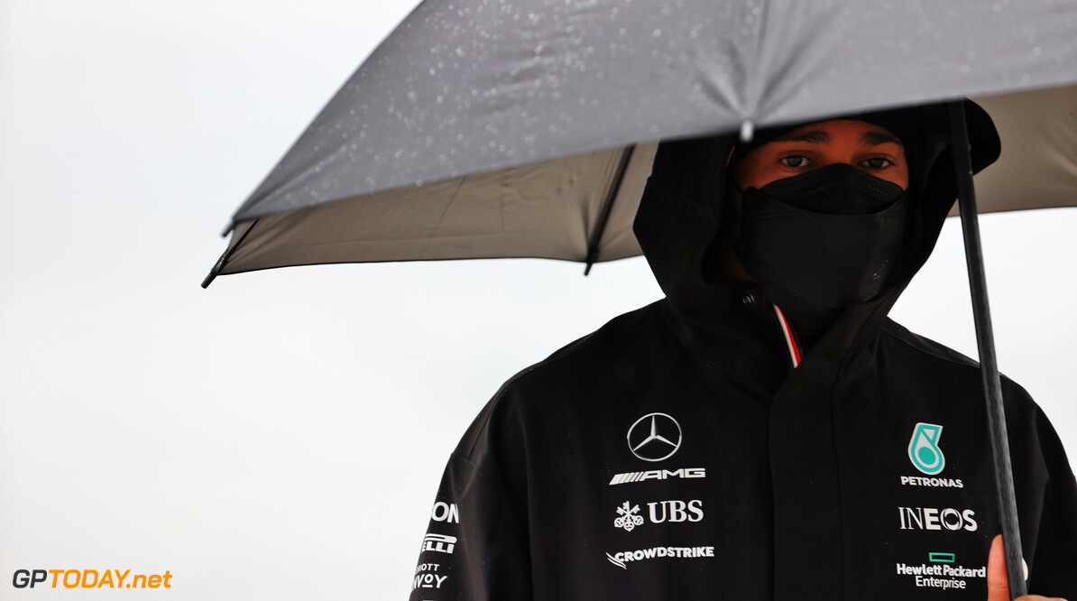 """Hamilton blijft bij banden-standpunt: """"Had ook tot het einde door kunnen gaan"""""""