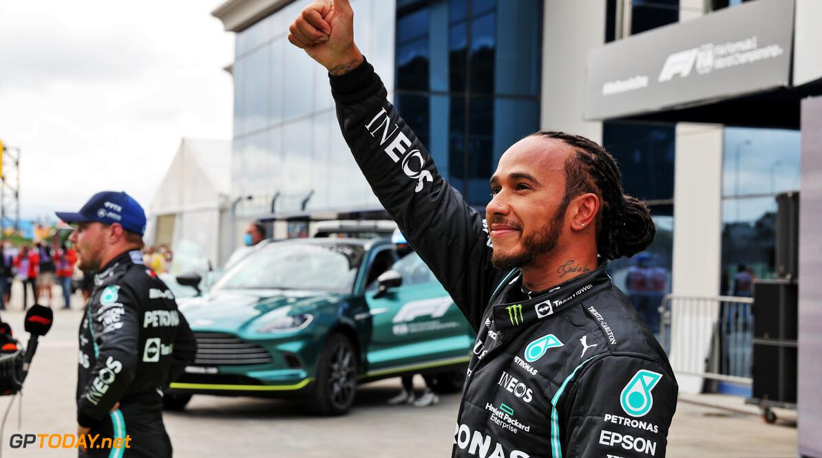"""Hamilton weet zelf ook niet waar snelheid vandaan komt: """"Hebben niets met de auto gedaan"""""""