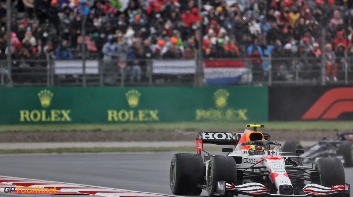 Masi zag geen aanleiding voor straffen na Perez-Hamilton duel