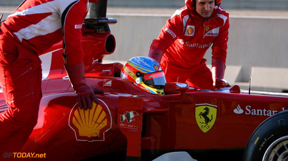 Alonso gaat niet in op aantijgingen over sabotage van Hamilton