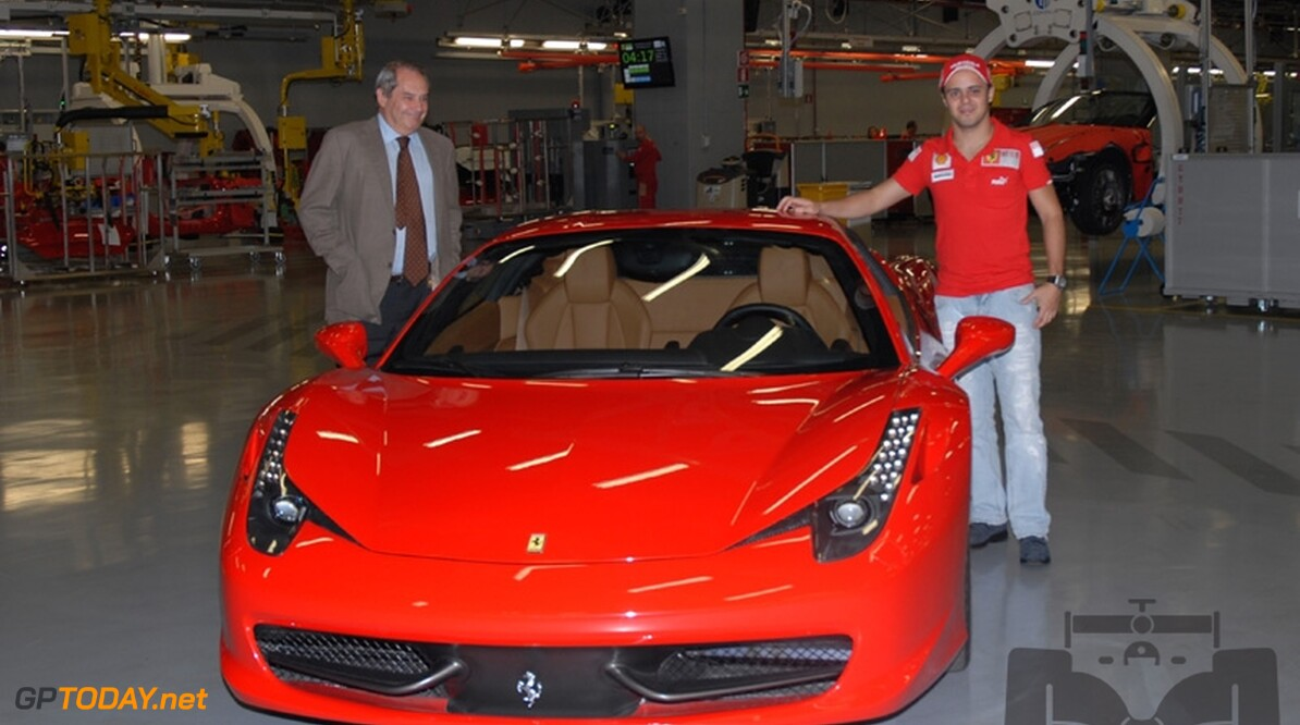Felipe Massa spendeert zes uur in simulator van Ferrari