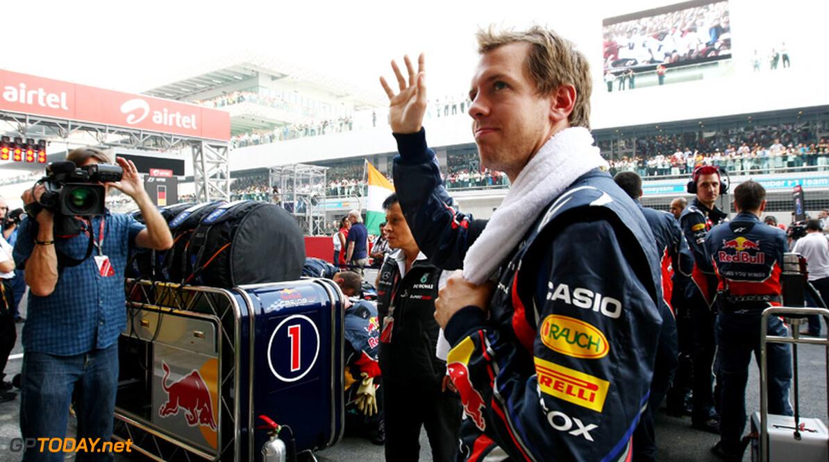 Red Bull verbiedt Vettel om op motor te stappen voor demonstratie