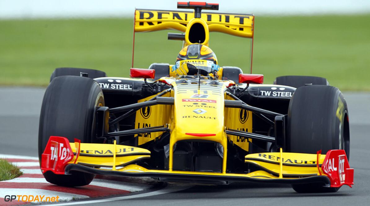 Kubica op de vingers getikt voor gevaarlijk de pits inrijden