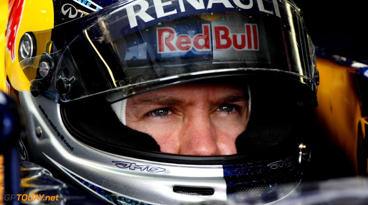 Rode vlag tijdens vrije training na harde crash Sebastian Vettel
