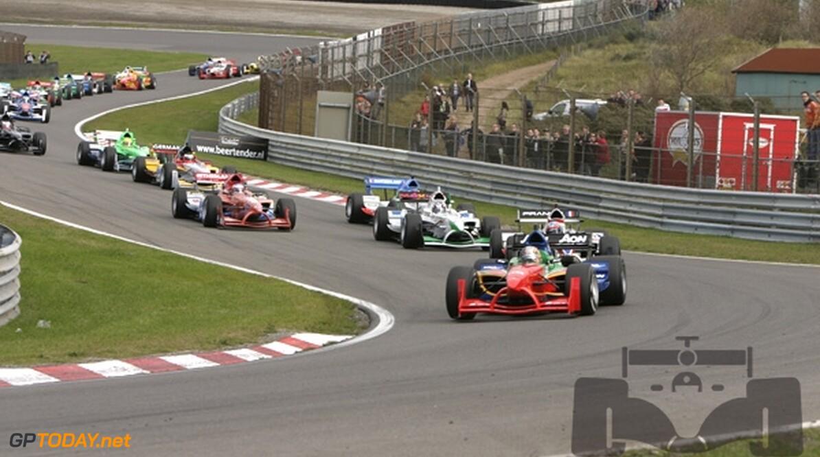 Emerson Fittipaldi gaat nieuwe auto uitproberen