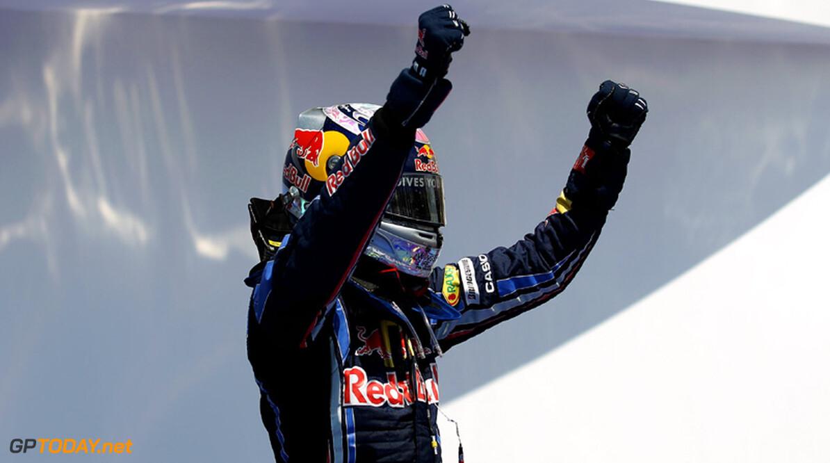 """Horner: """"Mercedes GP wil Vettel, Ferrari ook en McLaren eveneens"""""""
