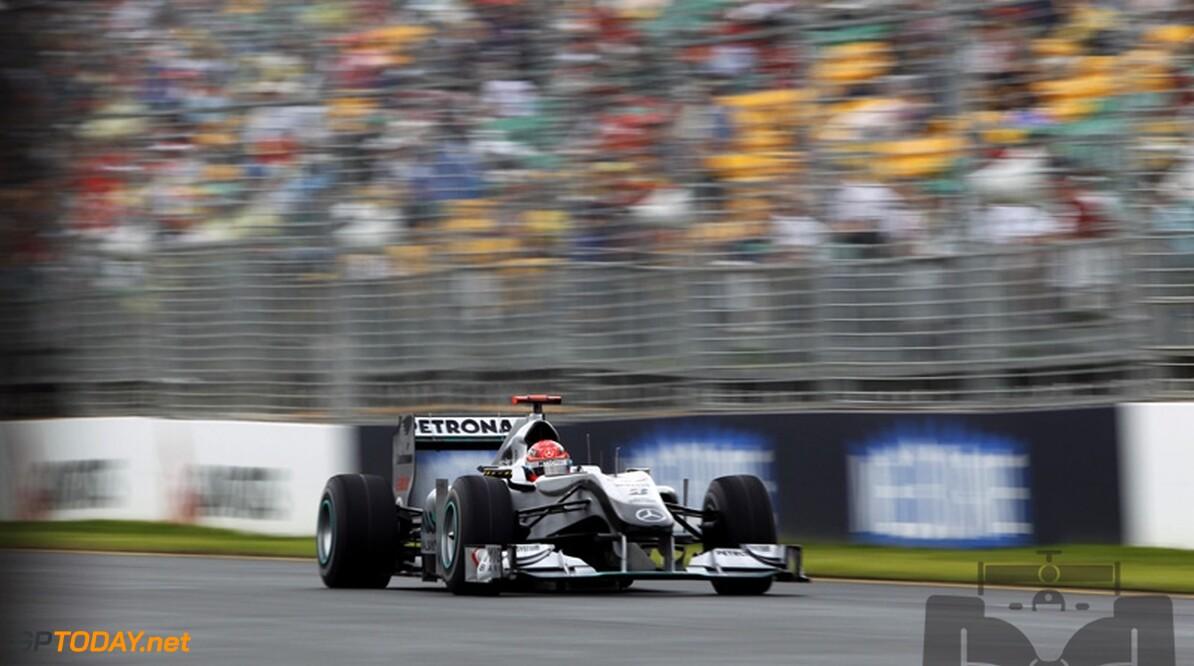 Michael Schumacher niet blij met Hamilton en Alonso