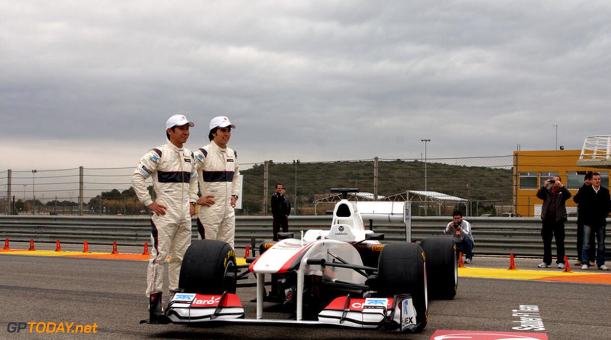 Foto's: Sauber onthult C30 in Valencia met hoofdsponsor Claro