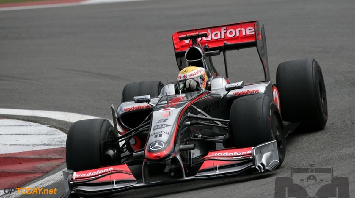 VT3: Hamilton sluit als snelste af