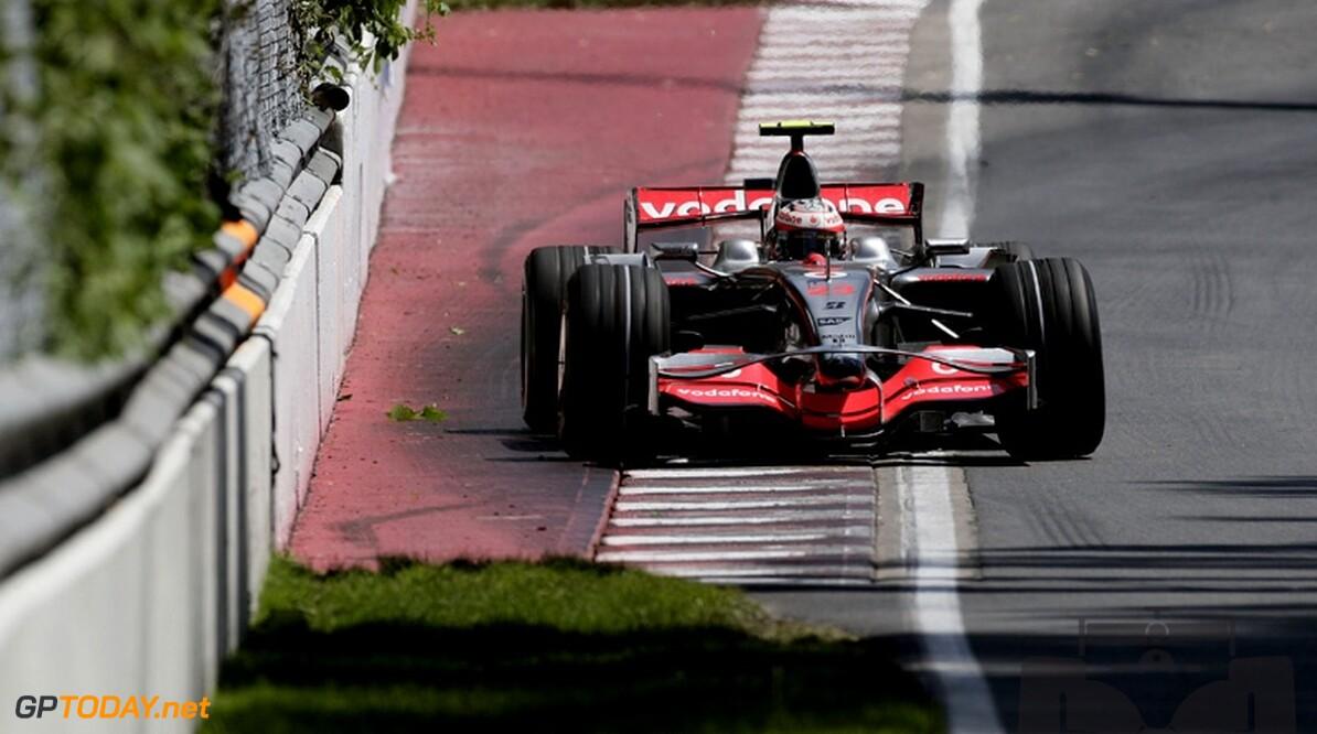 Kovalainen krijgt vijf plaatsen straf voor ophouden Webber