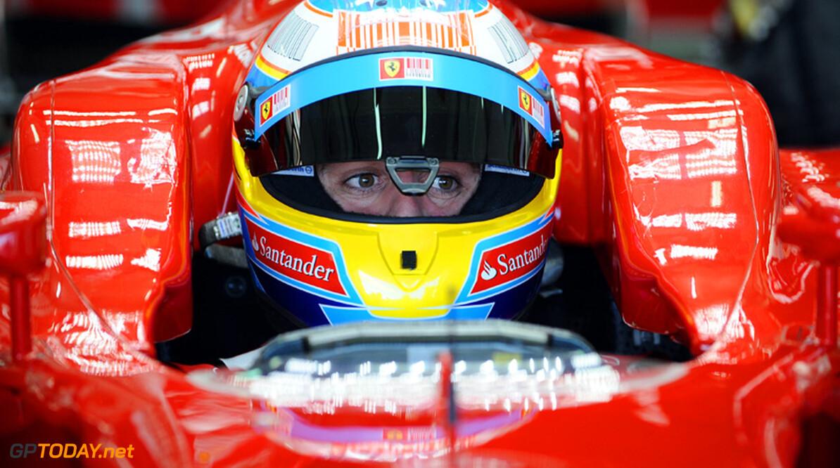 Alonso voorziet titelgevecht met vier teams in 2011