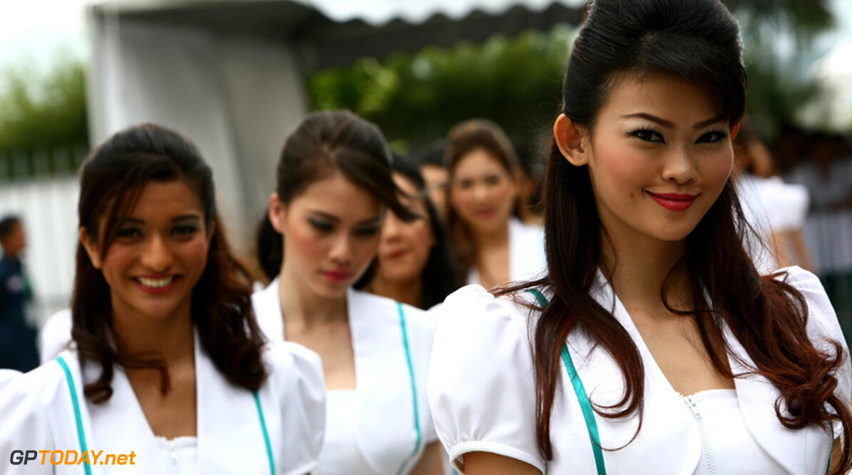 2011 Malaysian Grand Prix - Sunday Sepang, Kuala Lumpur, Malaysia 10th April 2011 Grid Girls World Copyright: Andrew Hone / Formula Press / LAT Photographic