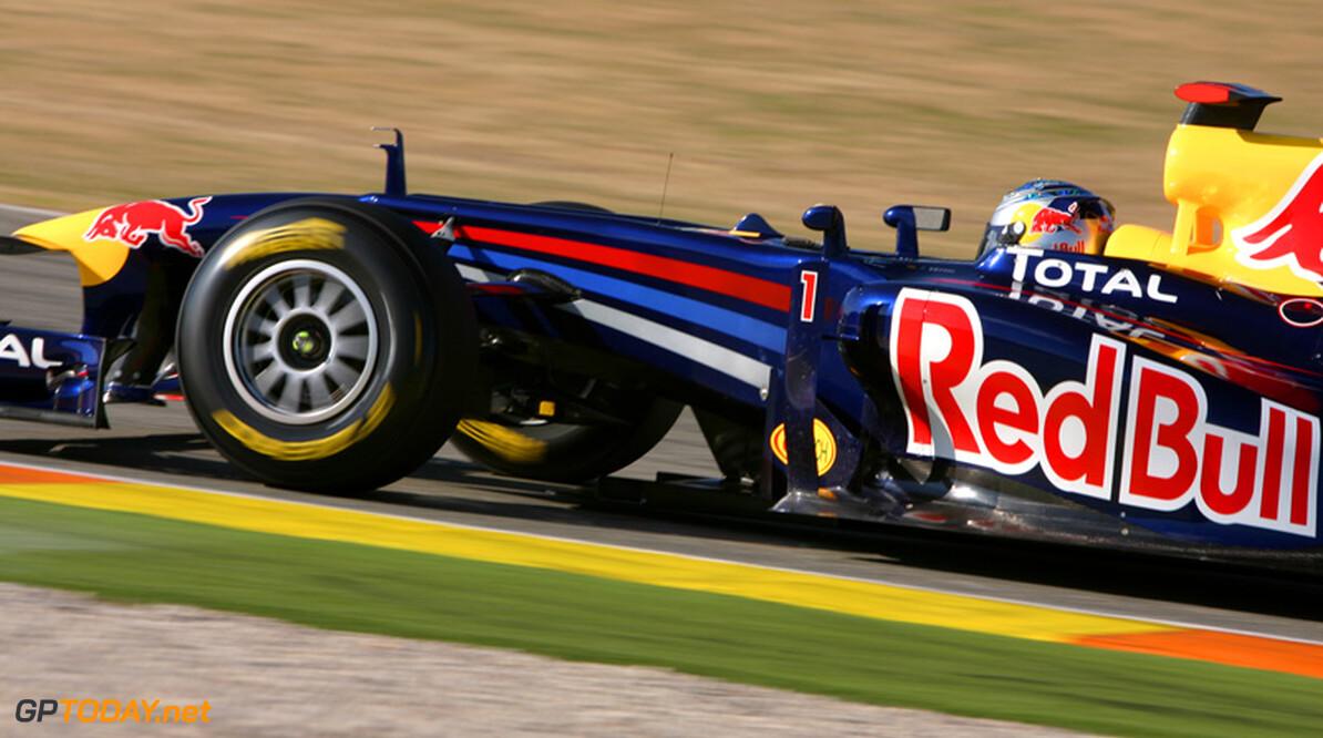 Valencia dag 1: Vettel zet RB7 op eerste dag direct aan kop