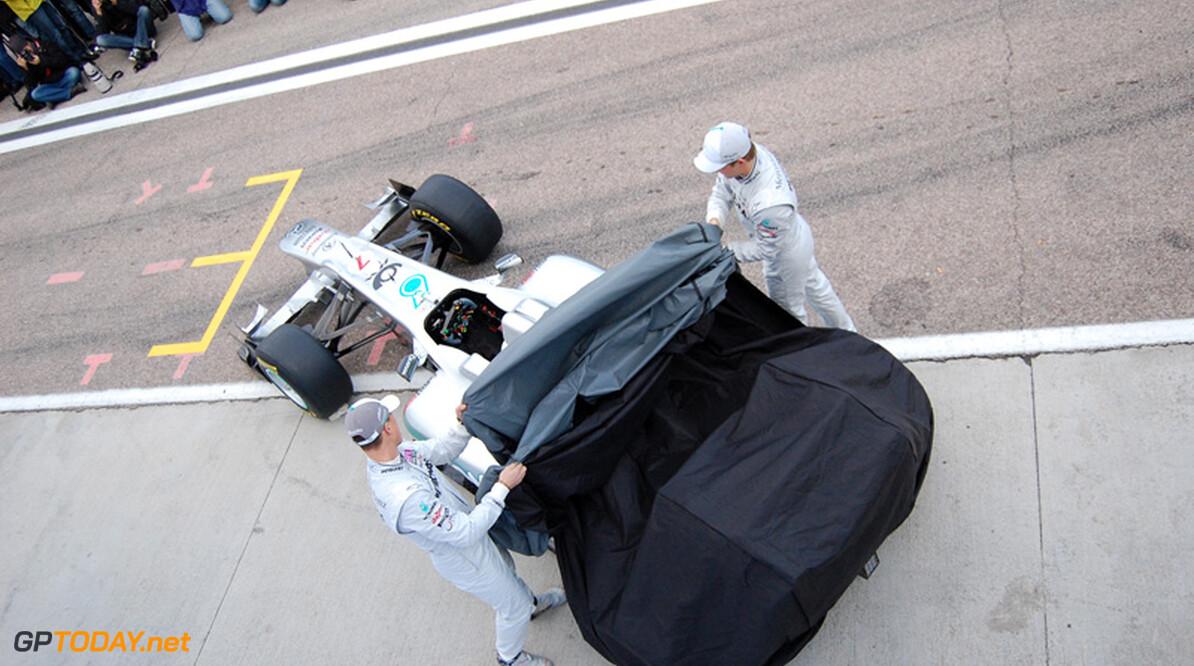 Mercedes GP W03 debuteert pas bij tweede voorbereidingstest