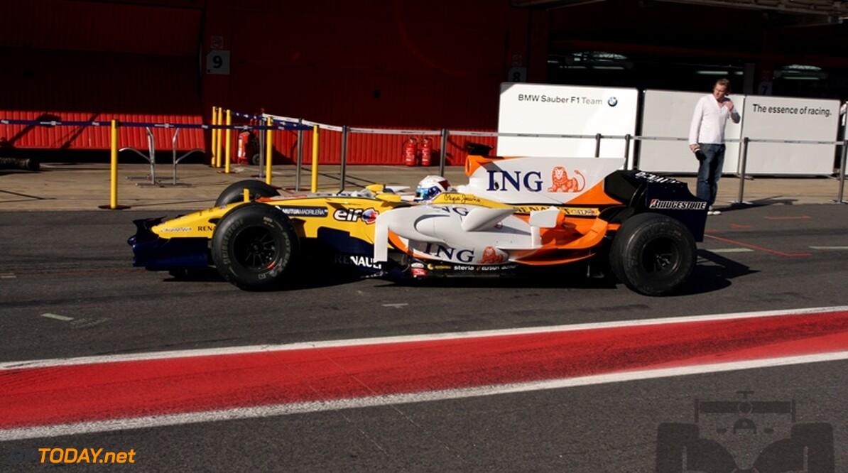 Giedo van der Garde rijdt eerste ronden voor Renault