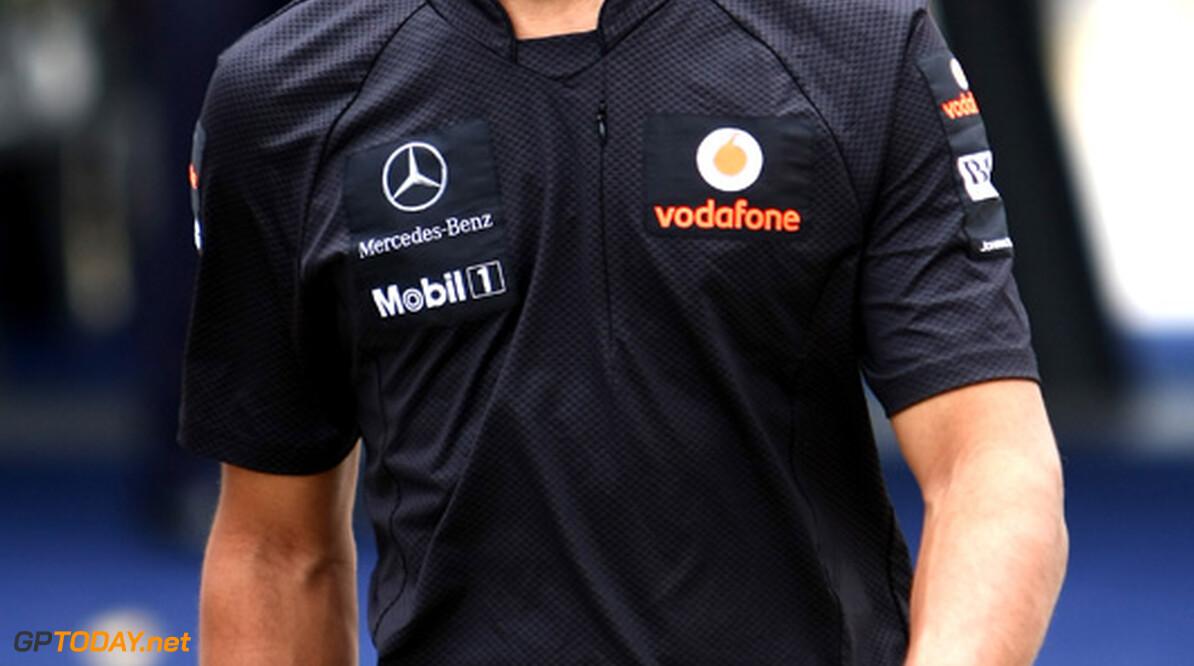 Bernie Ecclestone roept criticasters van Lewis Hamilton tot de orde