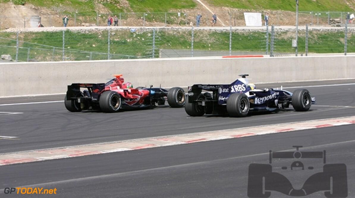 Rosberg trots op superkwalificatie, Wurz klaagt