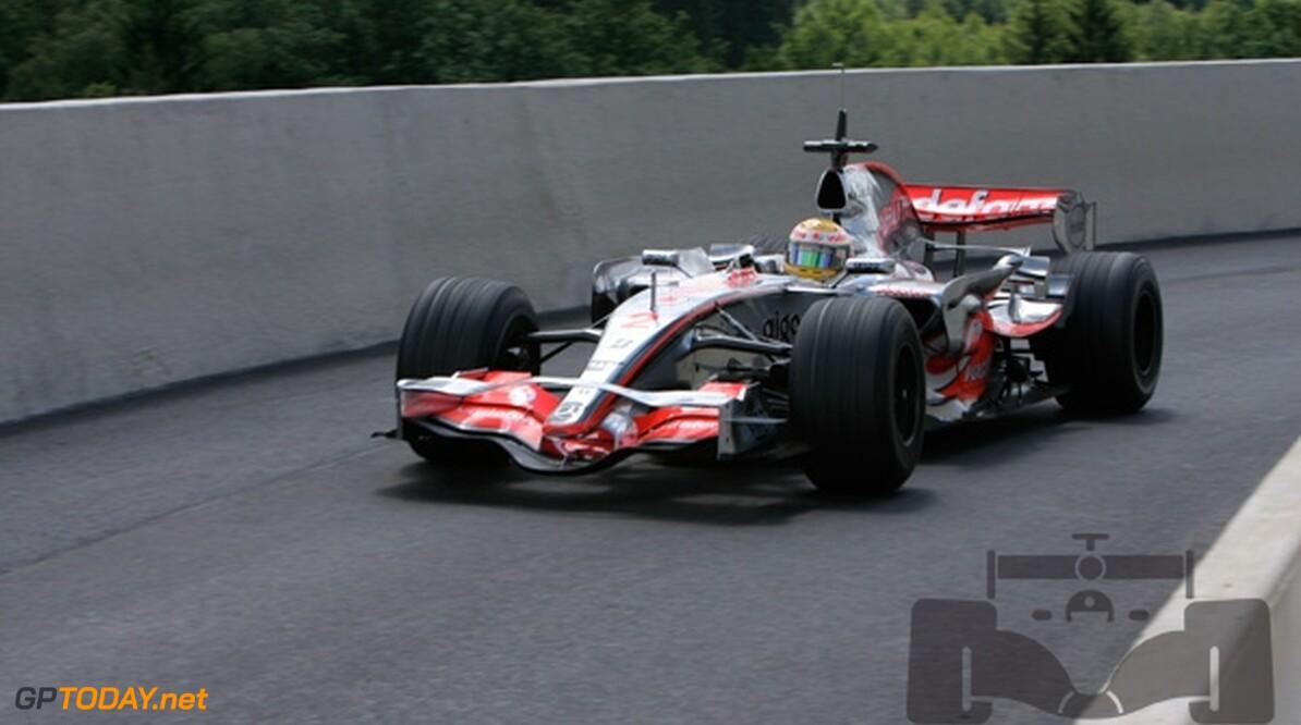 Hamilton niet blij met teamgenoot Alonso