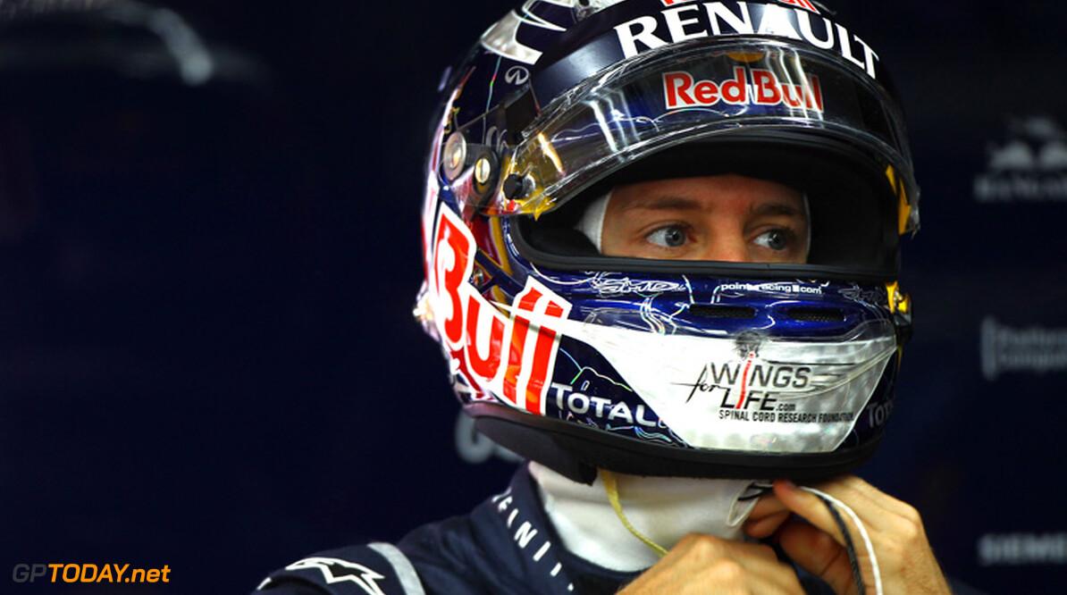 """Vettel in de knoop met eigen ritueel: """"Nieuw helmdesign nodig"""""""