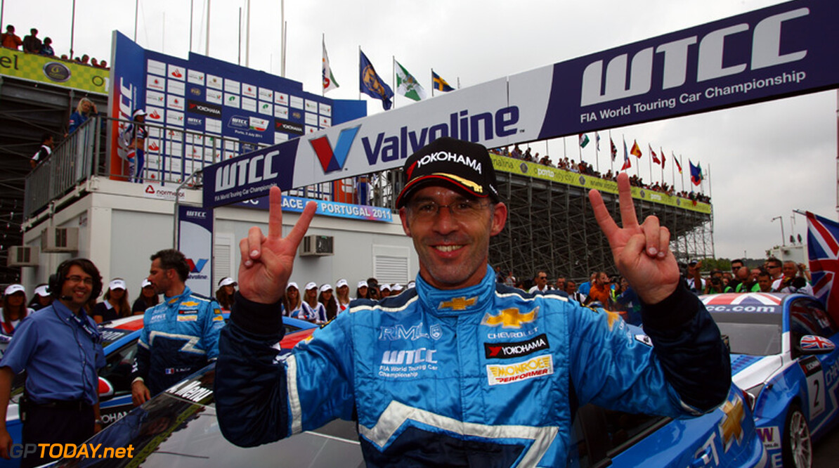 Alain Menu verslaat Turkington in eerste race Shanghai