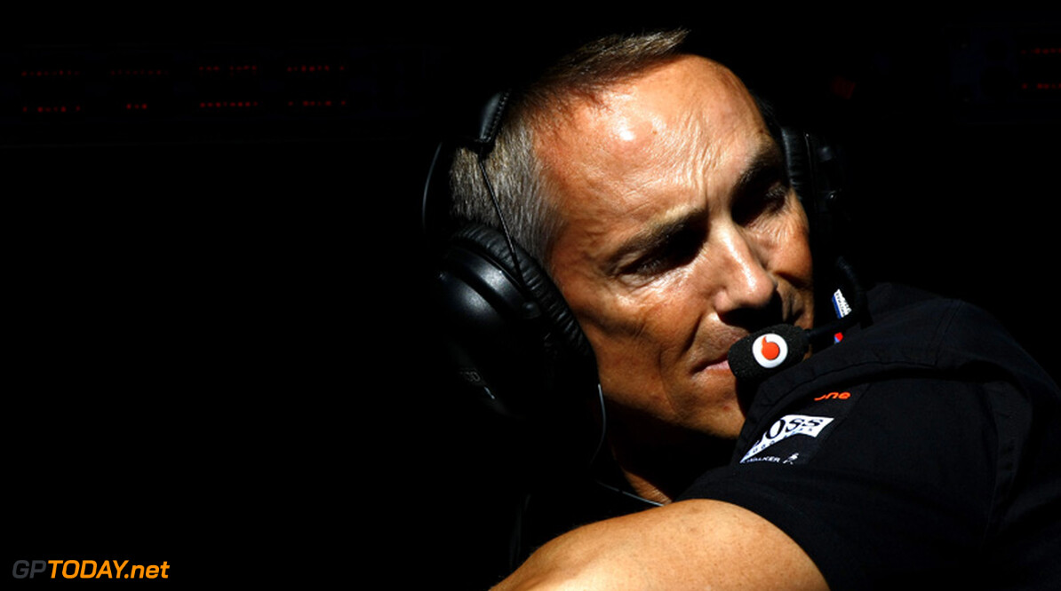 Whitmarsh vraagt Pirelli om snel slijtende banden en hoofdbrekens