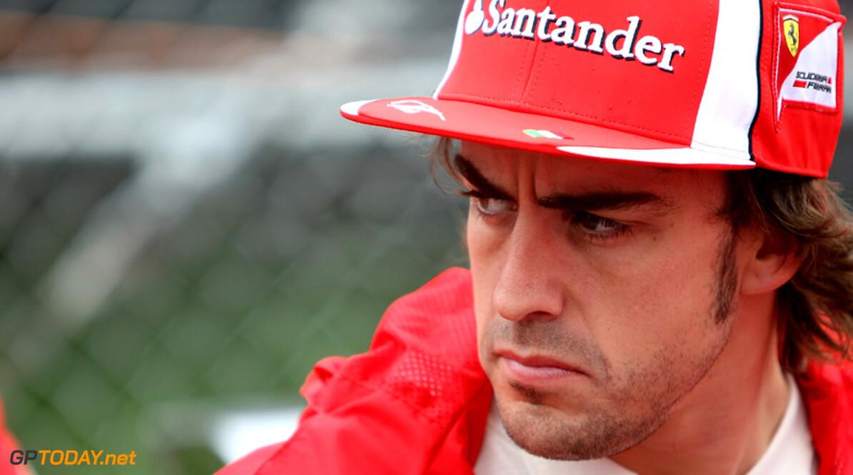 Schumacher en Alonso berusten in gevaar op dodelijke ongelukken