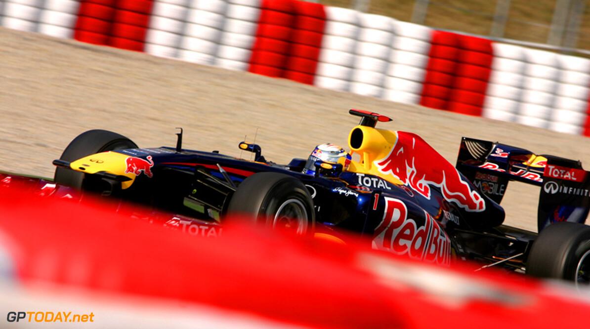 Barcelona dag 2: Vettel zet nieuwe snelste tijd