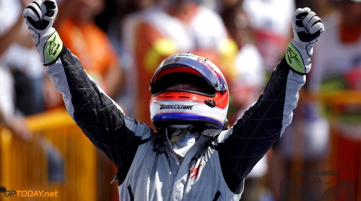 Rubens Barrichello wint in Valencia