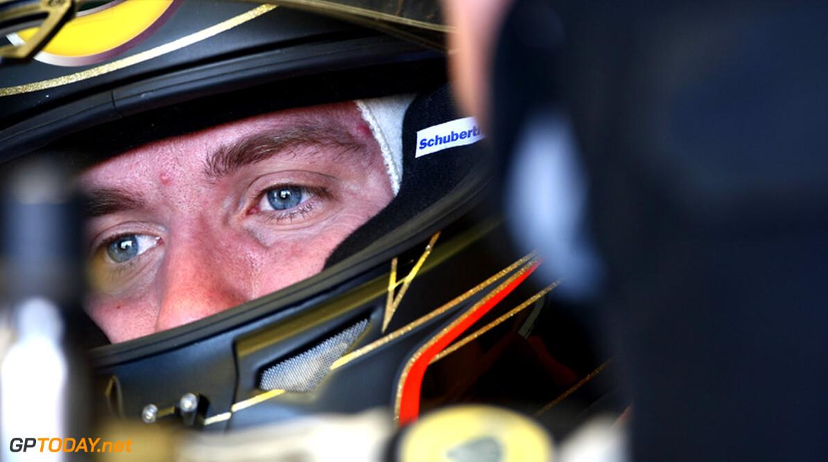 <b>Officieel:</b> Heidfeld wil Lotus Renault via rechter aan contract houden
