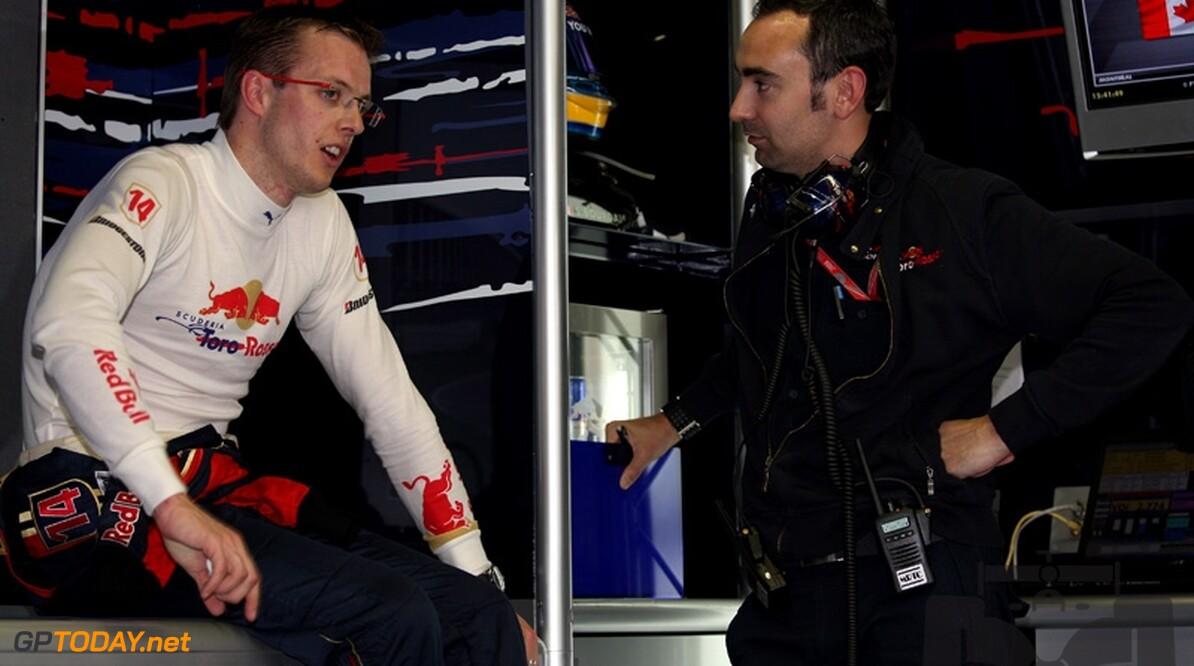 Bourdais denkt aan juridische stappen tegen Toro Rosso