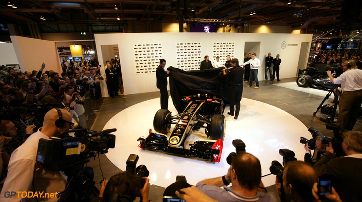 Lotus kleurt auto's in IndyCar, GP2 en GP3 ook zwart en goud