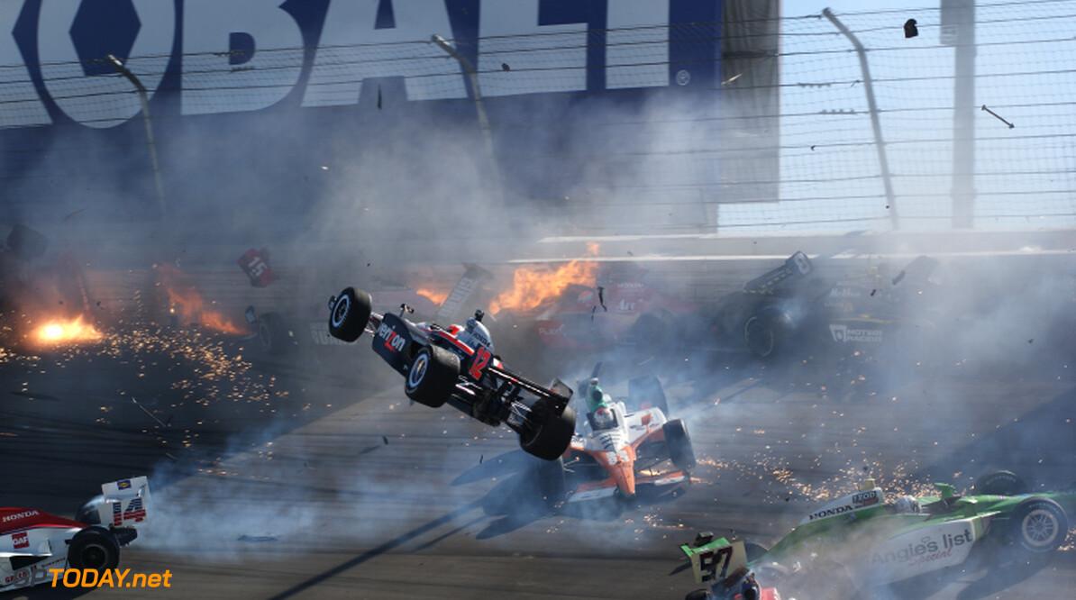 <b>Officieel:</b> Dan Wheldon overleden na crash in Las Vegas