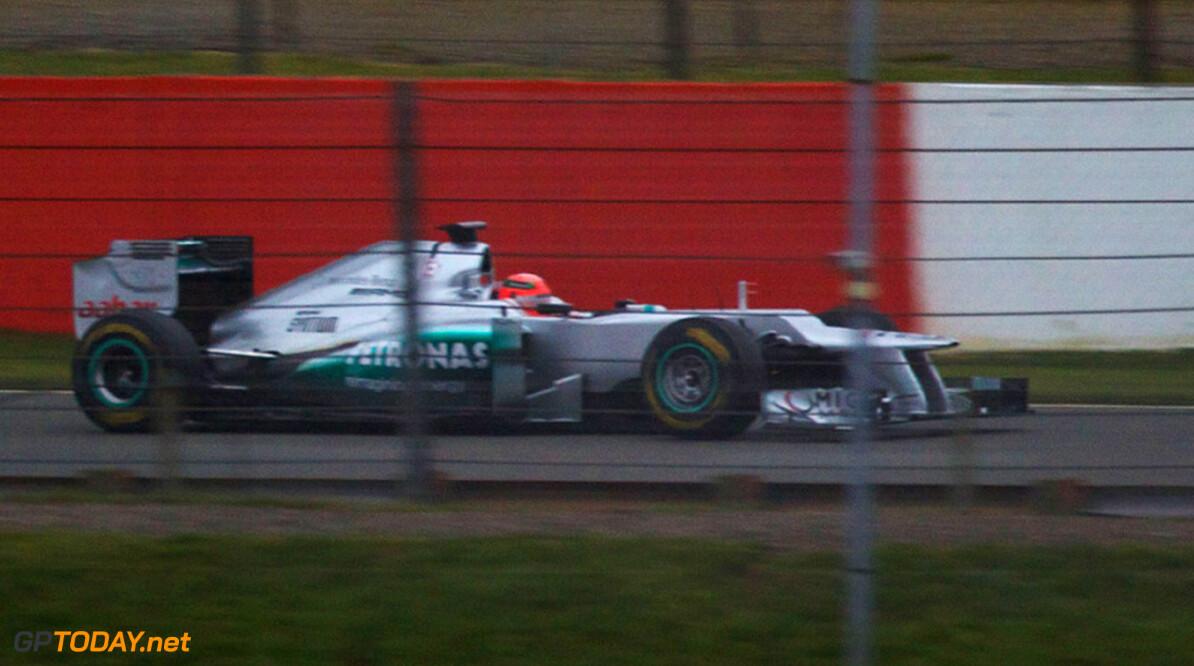 <b>Foto's:</b> Schumacher onderwerpt nieuwe Mercedes aan shakedown