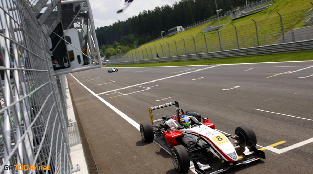 Roberto Merhi verslaat Rosenqvist voor tiende overwinning