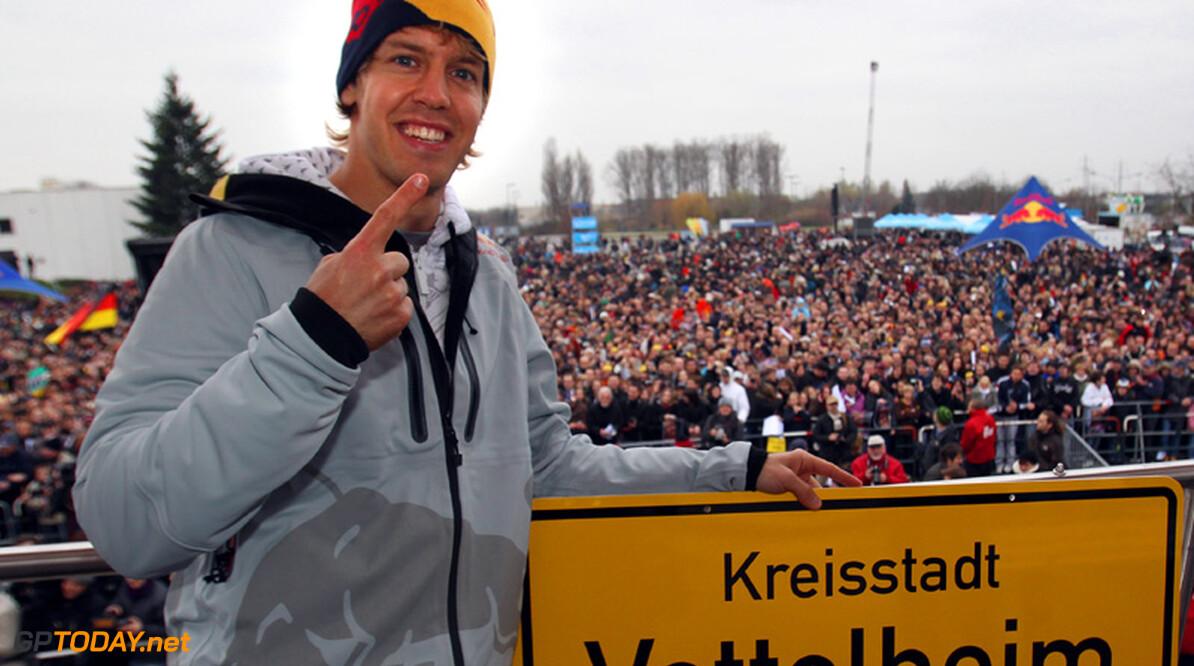 Foto's: Huldiging Vettel in Heppenheim lokt 15.000 mensen