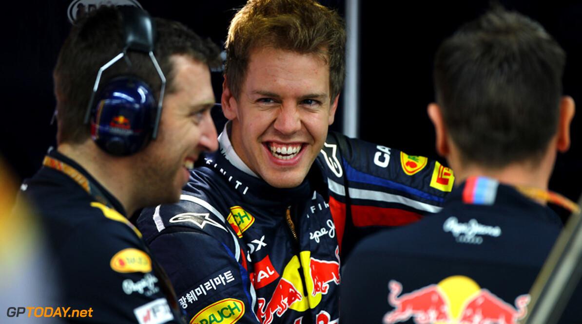 VT3: Vettel drie tienden voor op Button en Webber
