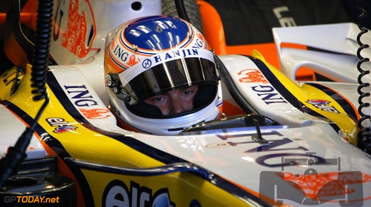 Piquet Junior bewandelt zijn eigen pad